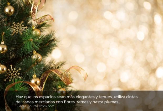 decoración-navidad-flores-ramas-plumas.jpg