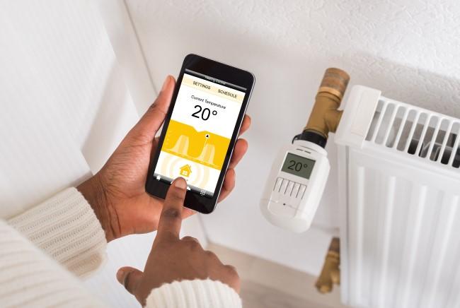 controla-el-ambiente-y-la-calefacción-con-la-domotica.jpg