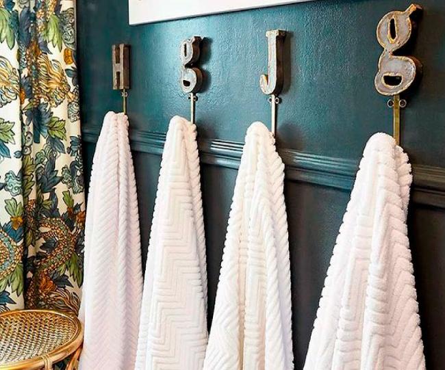 ganchos-para-ahorrar-espacio-en-tu-baño.jpg